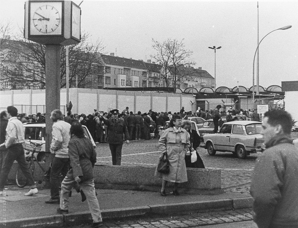 Grenzübergangsstelle Bornholmer Straße 11.11.89