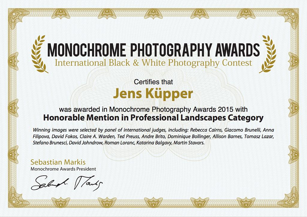 "Honorable Mention in Landscapes, 2015, für die Fotografie ""Abandoned House, Kansas, 2013"""