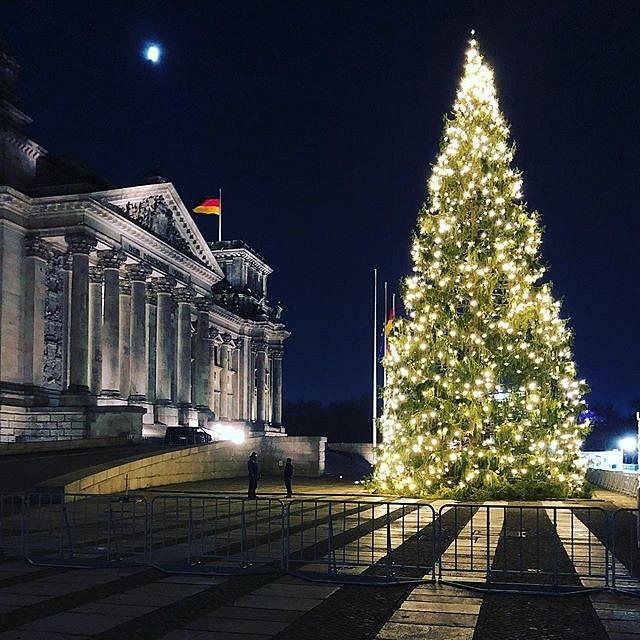 Weihnachtsstimmung am Reichstag